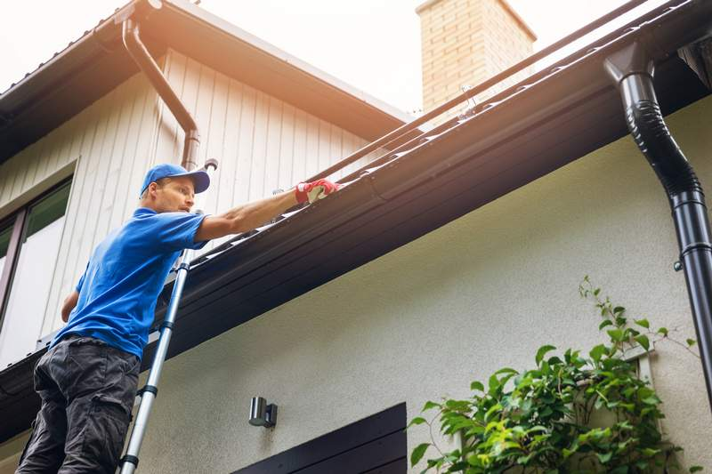 Tips For Choosing The Right Gutter Color For Your Home