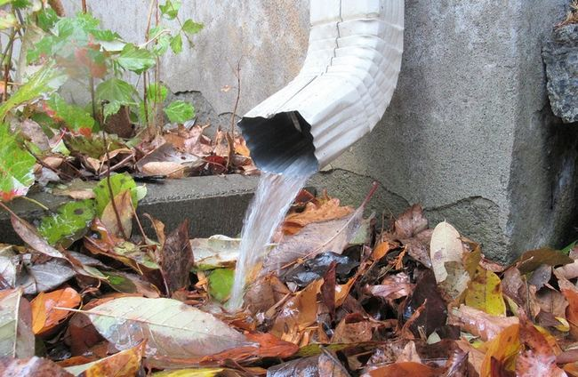 5 Tips For Silencing Noisy Rain Gutter Downspouts