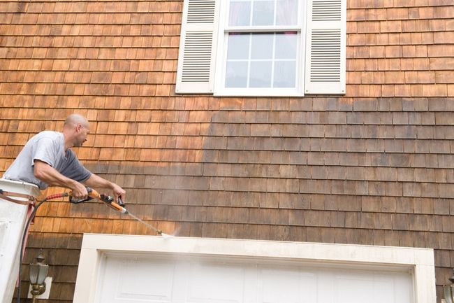 Expert Advice On Power Washing Your Home And Gutters